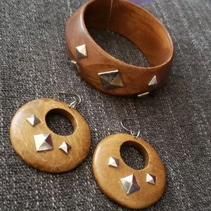 Brown/Wood and Silver Earrings and Bracelet Set